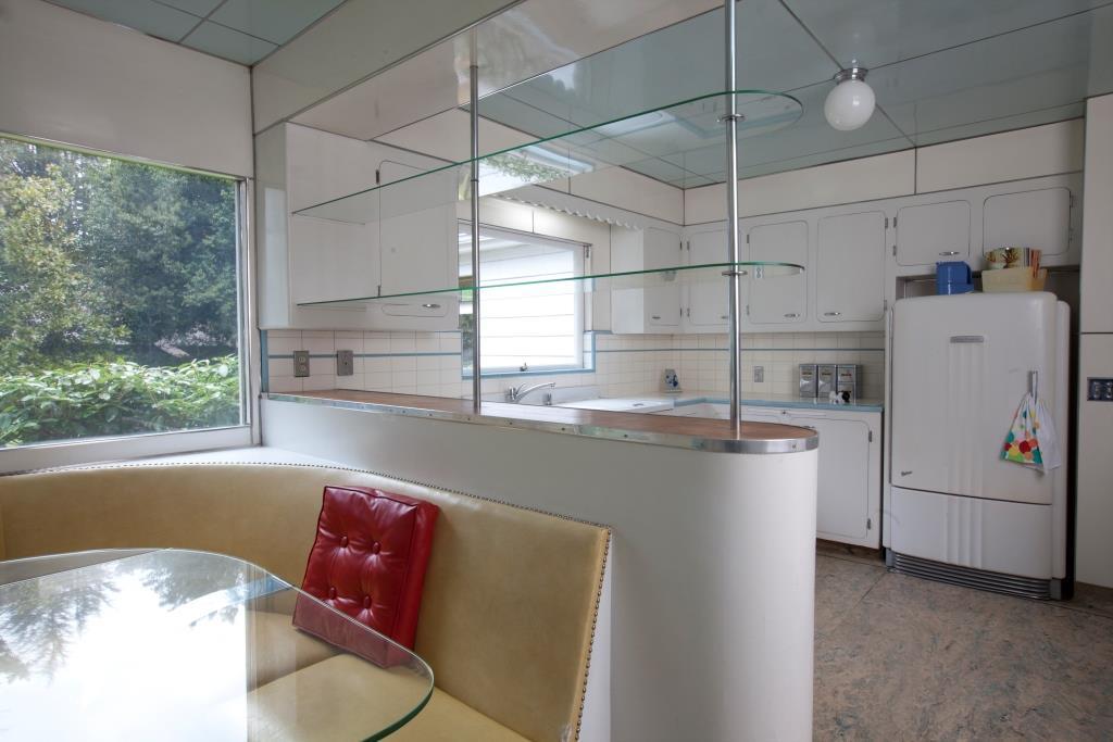 10.2011_Streamline_original_1948_kitchen